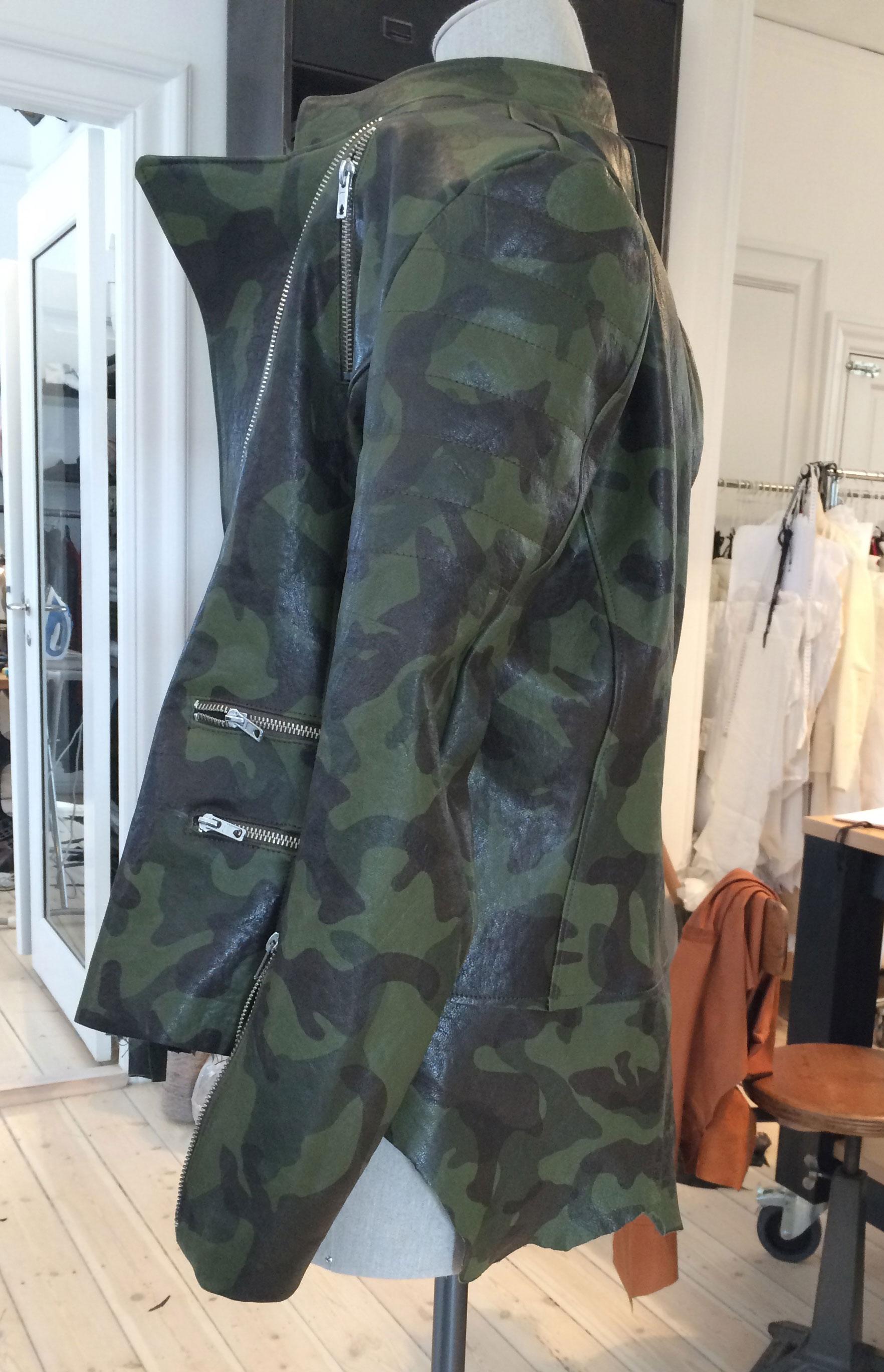 camouflage_jacket